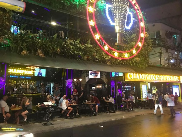 Champion sports bar. Bui vien. Saigon
