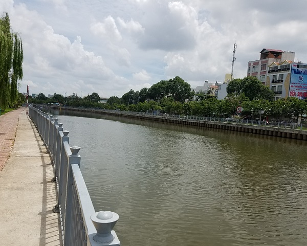 Canal en Saigón.