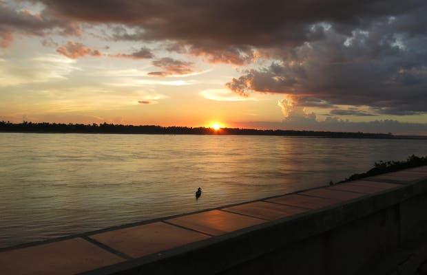 Atardece en el gran Mekong. Kratie.