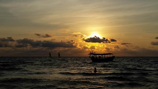 Sihanoukville. Atardece en la playa
