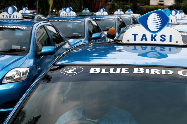 Blue Bird taxi. Yakarta.