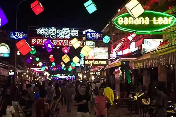 Pub Street en Siem Reap. Mejores destinos de Camboya.