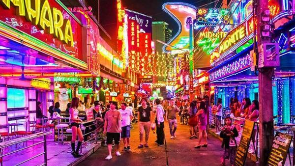 soi cowboy- de fiesta en Tailandia